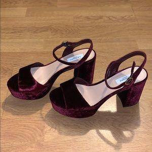 NWOB L.K. Bennett Keriss Velvet Sandals Heel